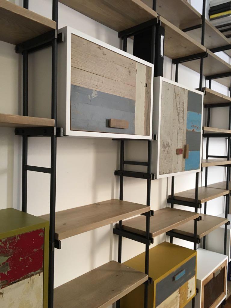 sistema in ferro per librerie e pareti attrezzate auto regolabili ferro e legno