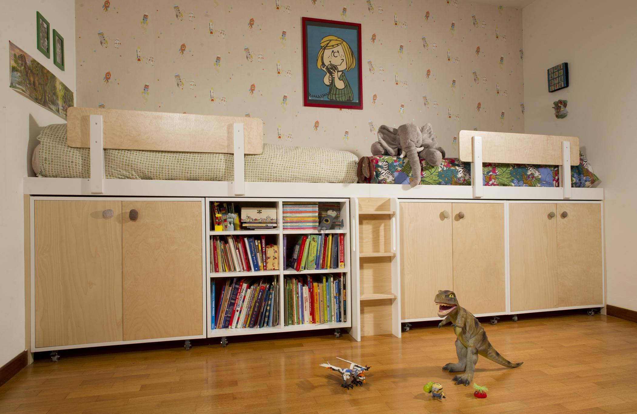 Camera per bambino artigianale in legno