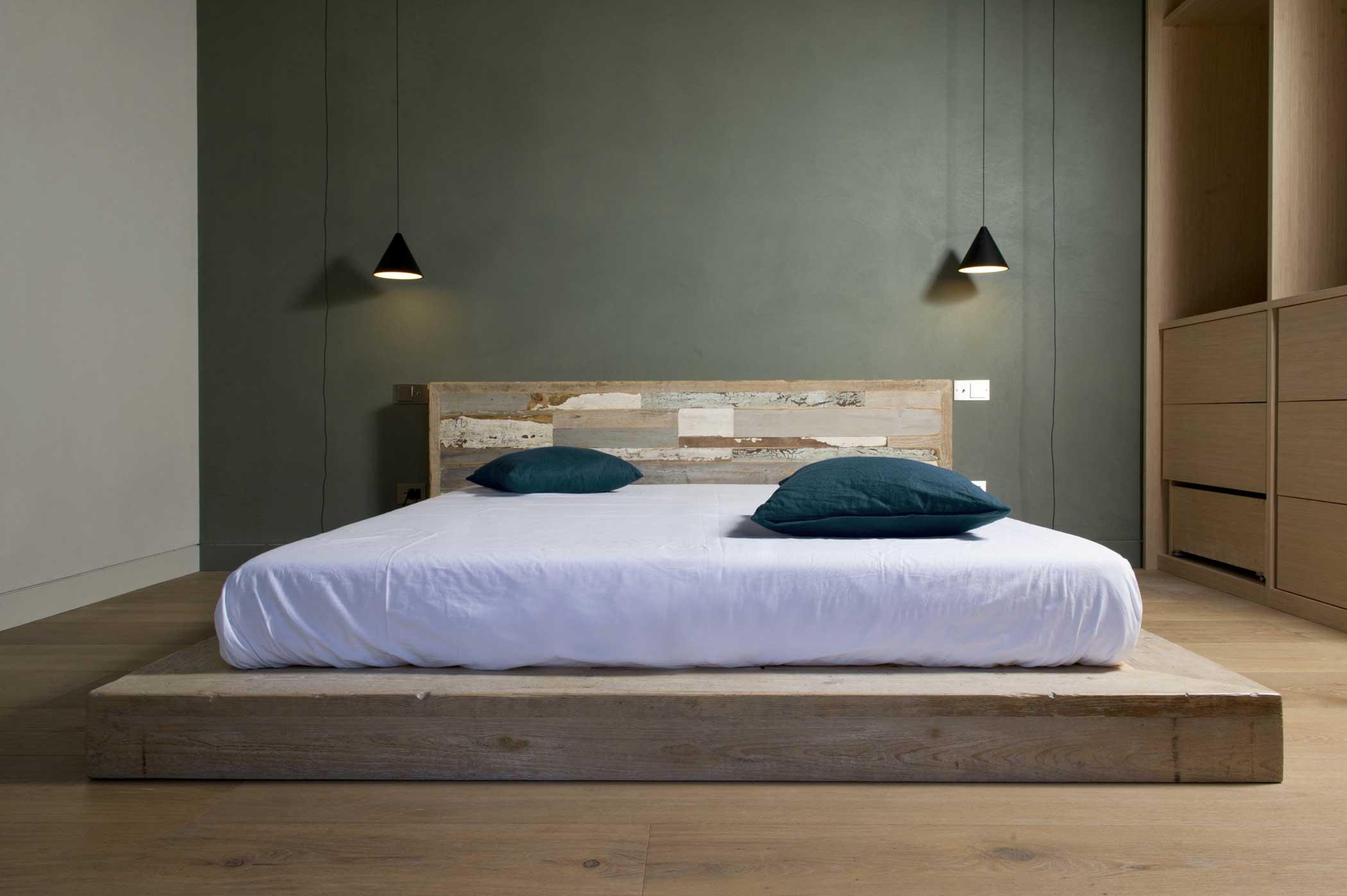 Struttura letto in legno fatto a mano su misura