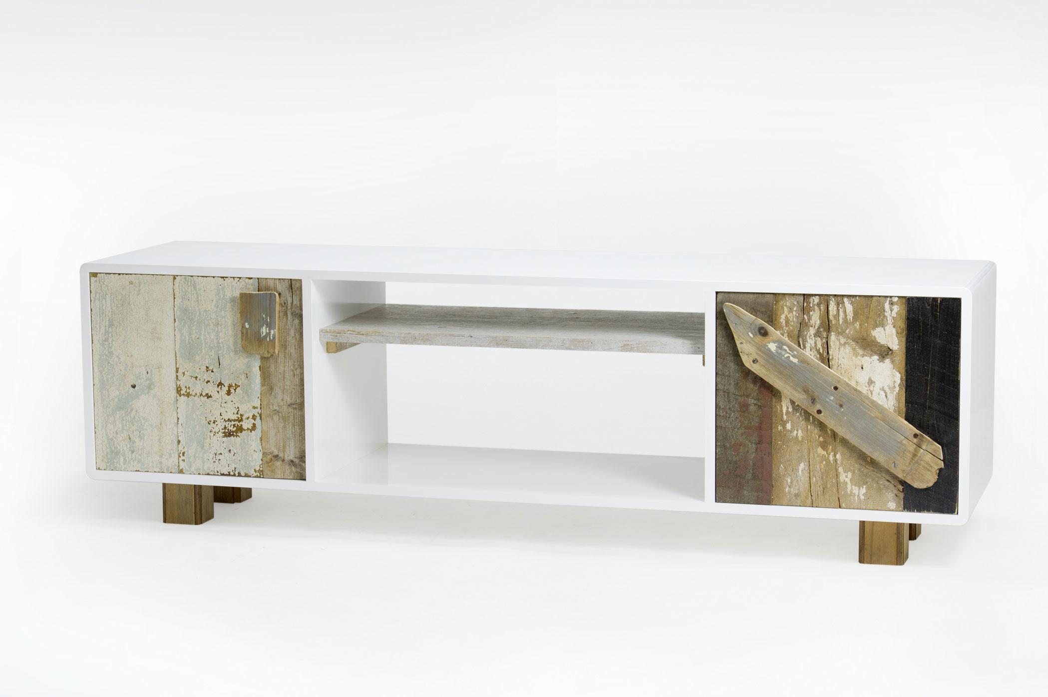 Mobile tv struttura mdf laccato a mano e parti in legno antico riciclato