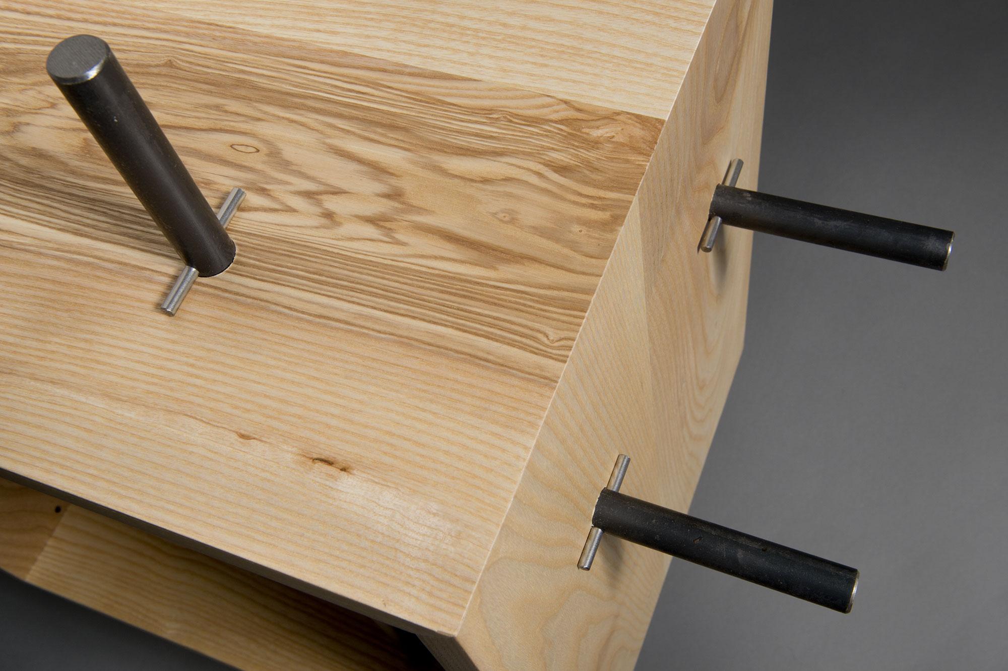 mobile quadrato legno massello naturale chiaro e ferro