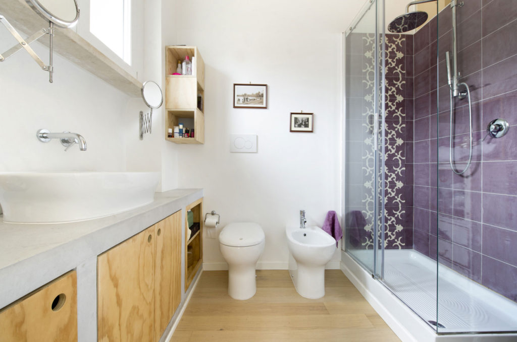 Mobile bagno in resina e legno prog. Arch. Nicola Saraceno 2014