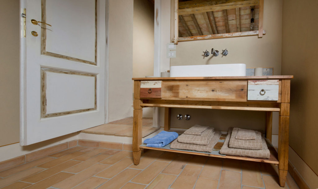 Credenza Da Bagno : Arredo bagno in legno di recupero toscana laquercia