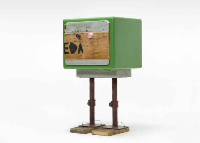 mobile contemporaneo verde e legno riciclato