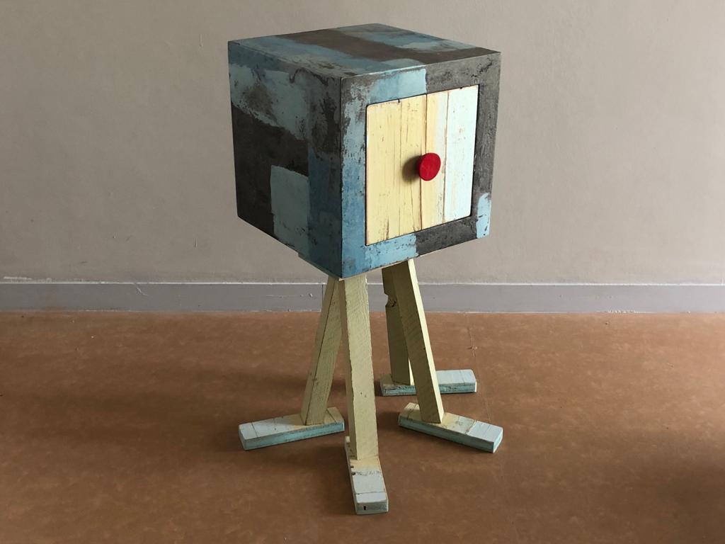 mobile contenitore in legno di recupero resina e ferro