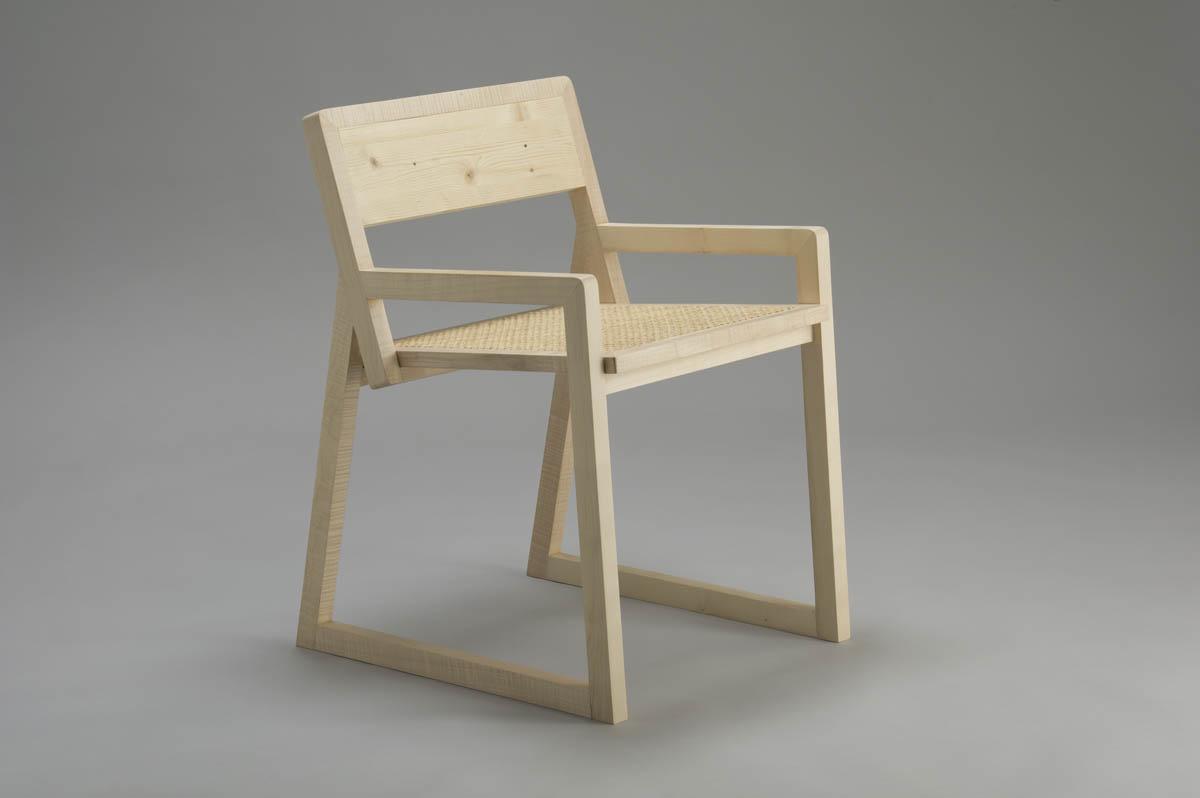 sedia Q in legno massello design