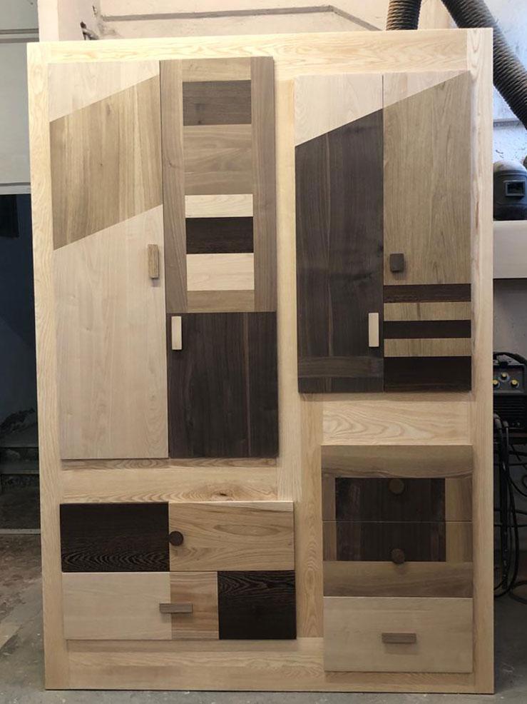 armadio legno naturale
