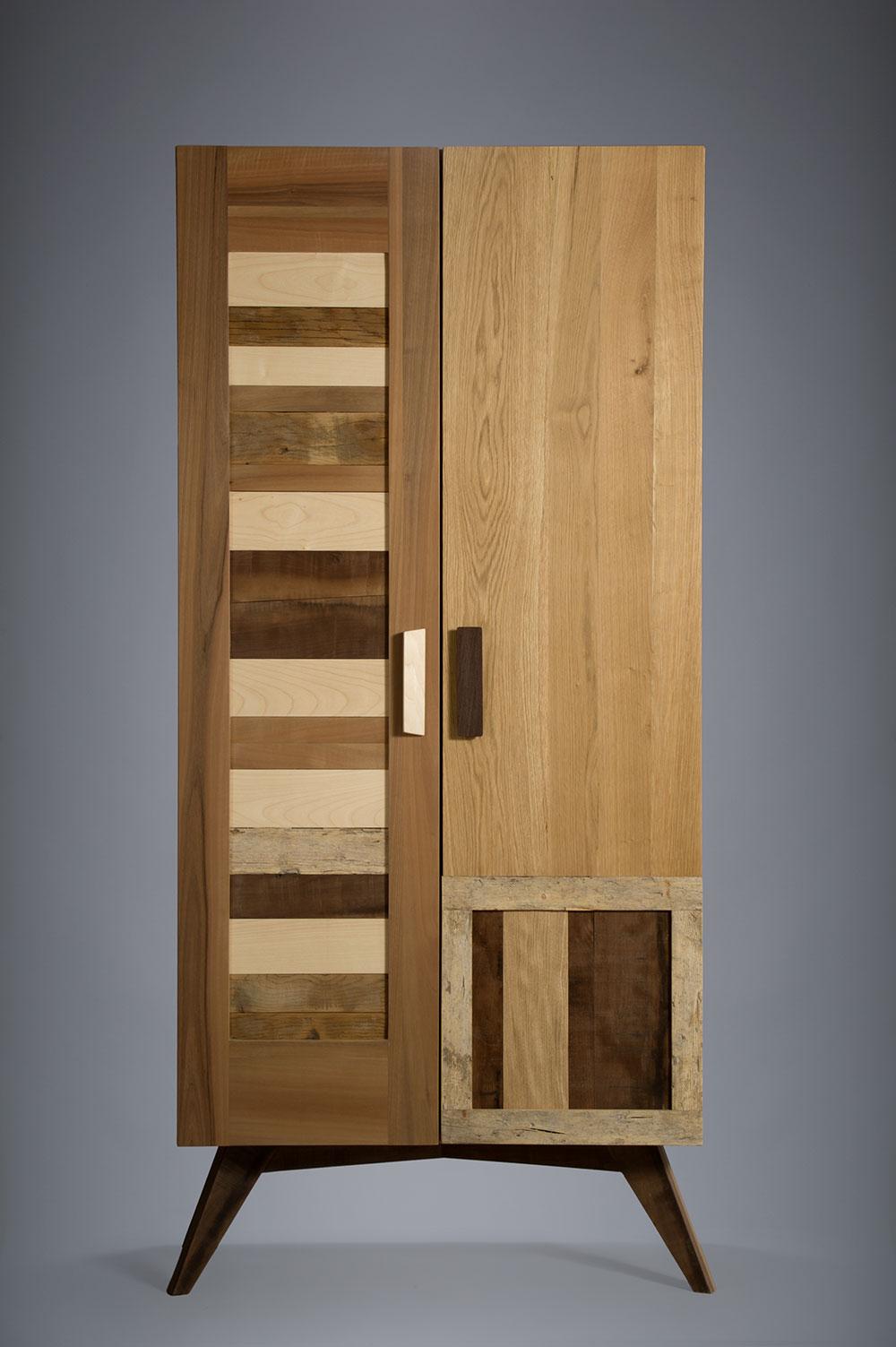 armadio in legno massello