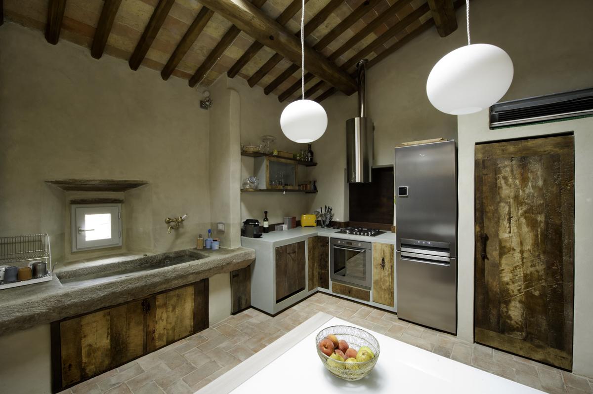 cucina in castagno antico casale