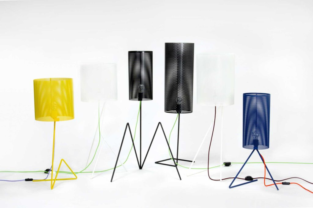 Lampada di design in ferro colorato
