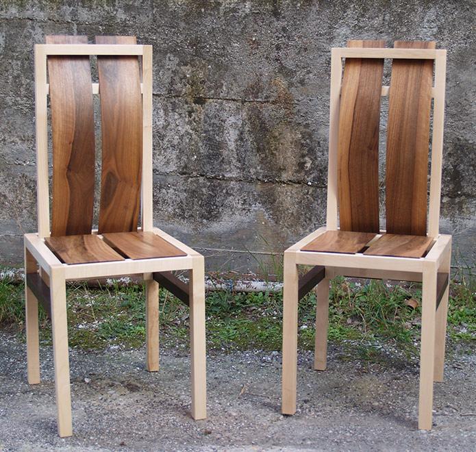 Sedia in legno con schienale ammortizzato