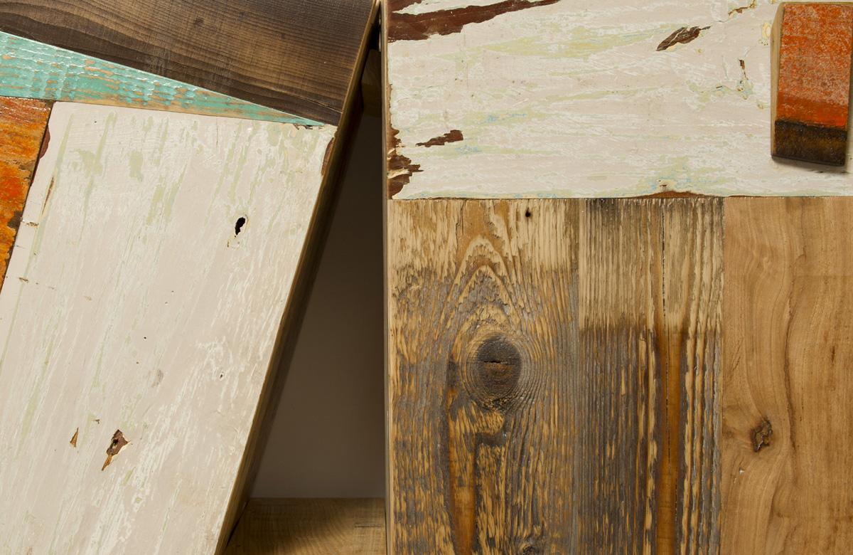 mobile soggiorno in legno di recupero colorato tipo controprogetto