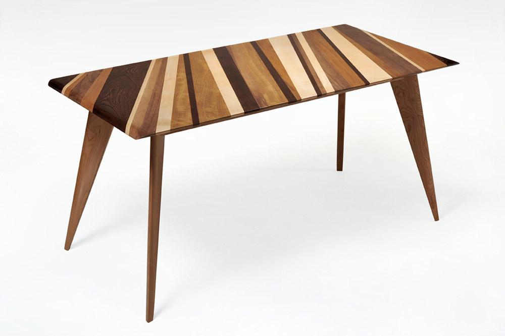 tavolo con diverse essenze di legno massello artigianale