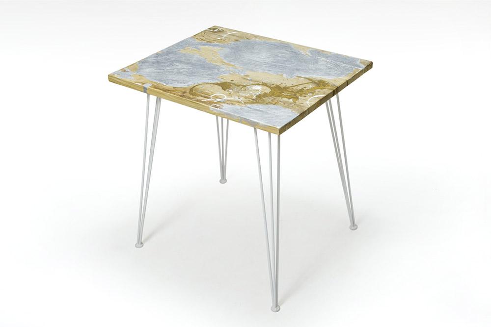 tavolo per locale commerciale in resina e ferro
