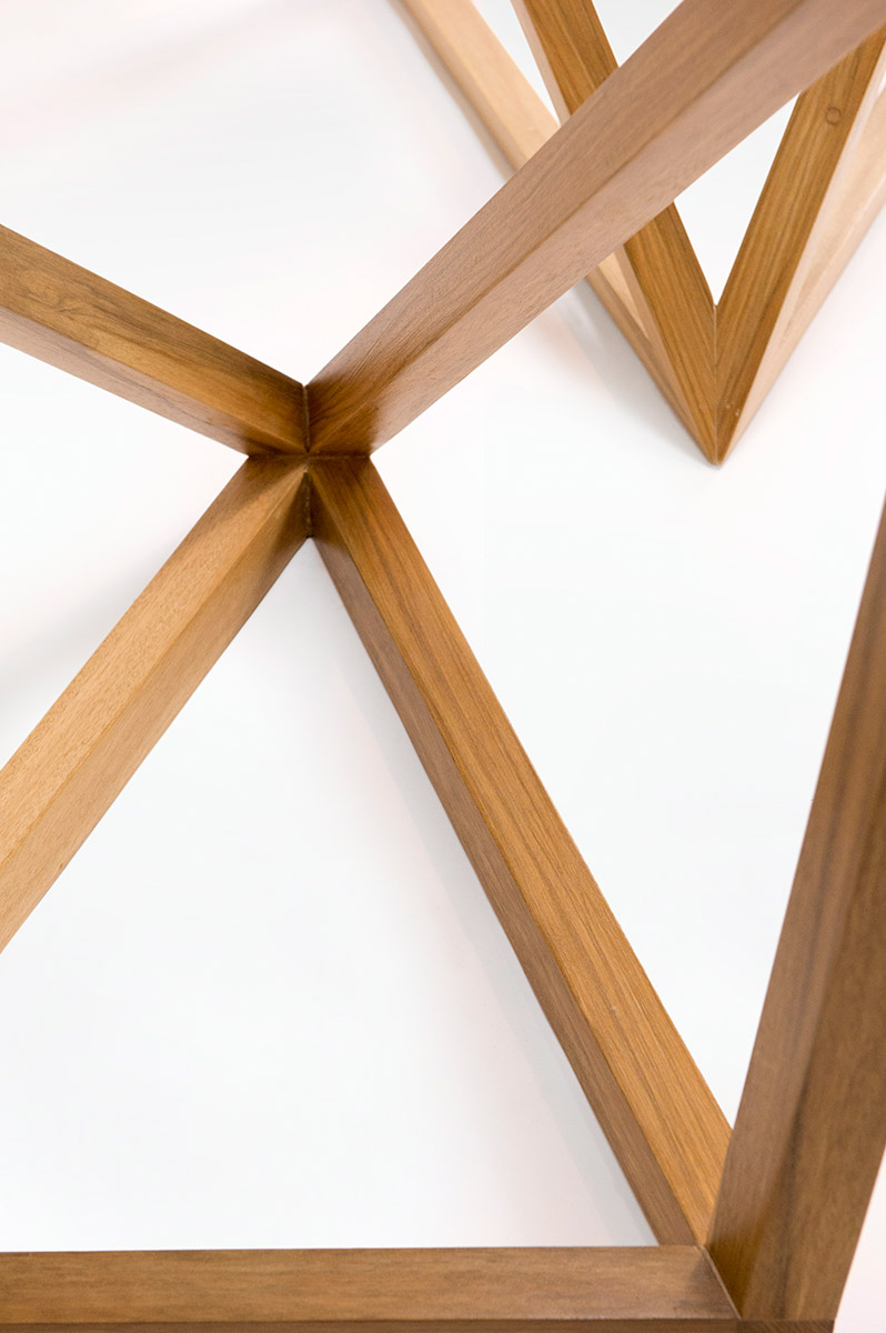 tavoli in legno e cristallo