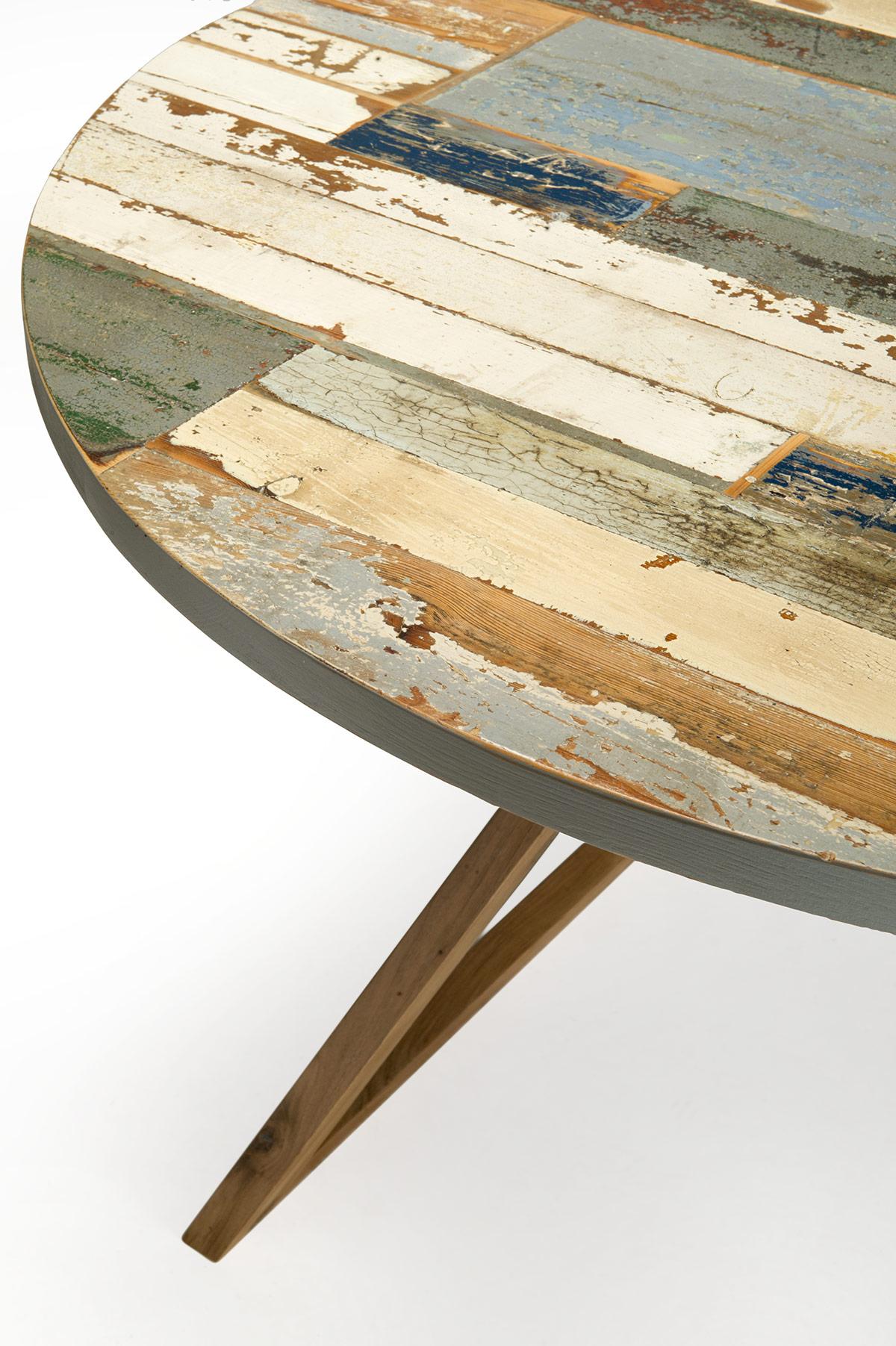 tavolo rotondo in legno massello e colorato grigio azzurro