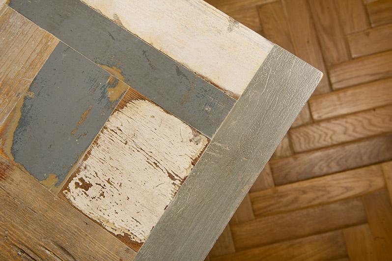 tavolo in legno di recupero chiaro