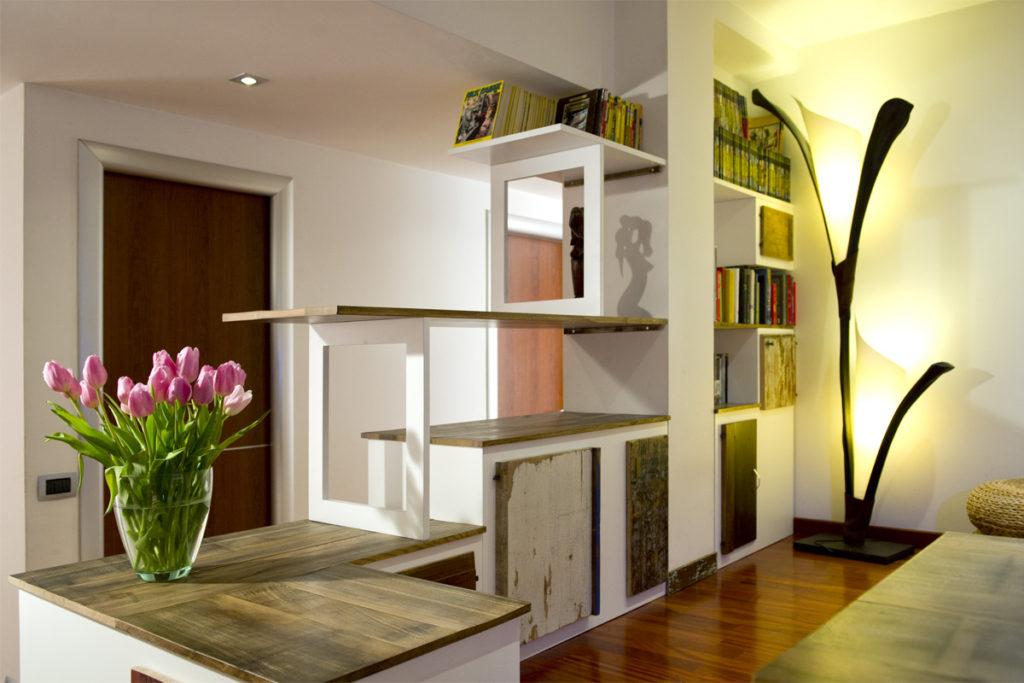 Arredo per soggiorno e sala in legno di recupero e vintage