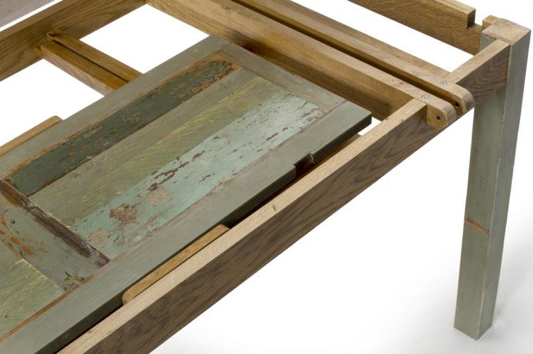Tavolo con vano interno per prolunghe in legno di recupero e legno massello