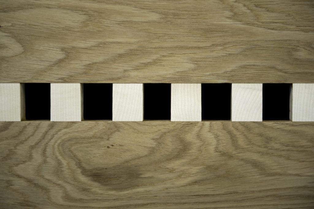 Credenza moderna in legno massello su misura artigianale