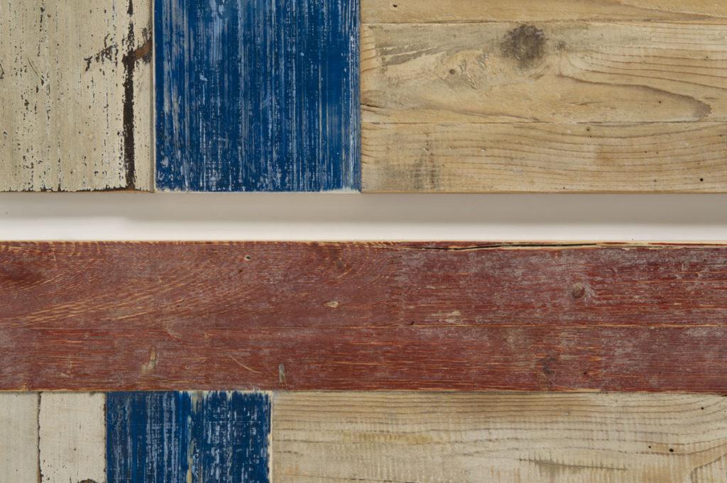 Credenza con ante e cassetti in legno recuperato vintage
