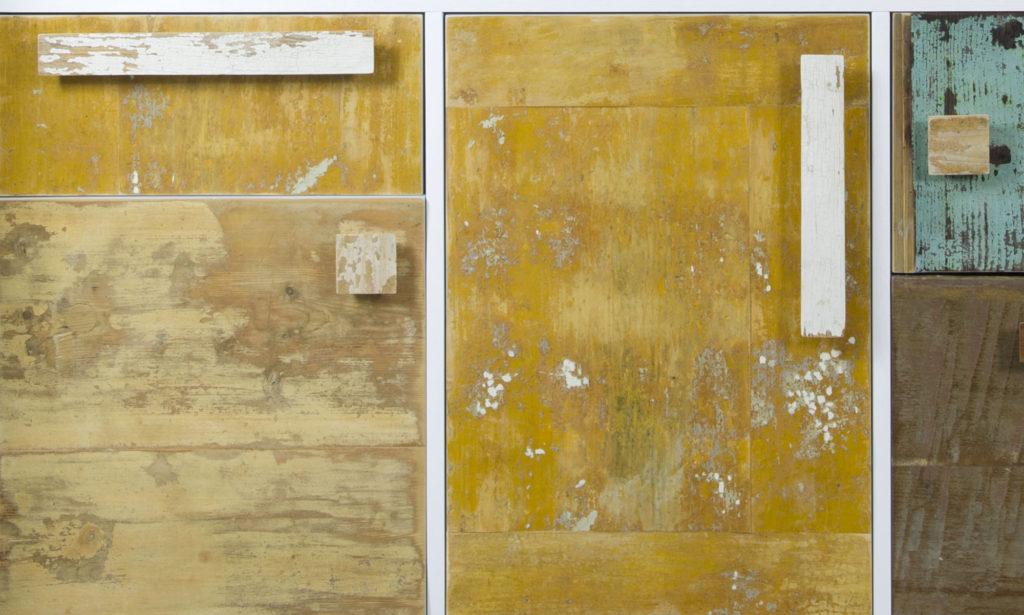 Ante e cassetti per madia in legno di recupero per mobili personalizzabili