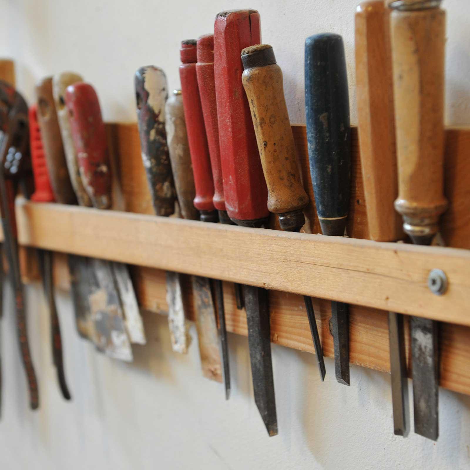 Strumenti per lavorare il legno per mobili su misura