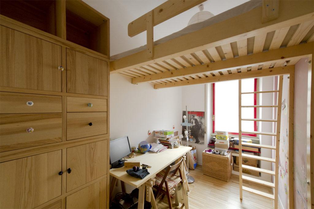 Struttura soppalco camera d aletto in legno di abete su misura