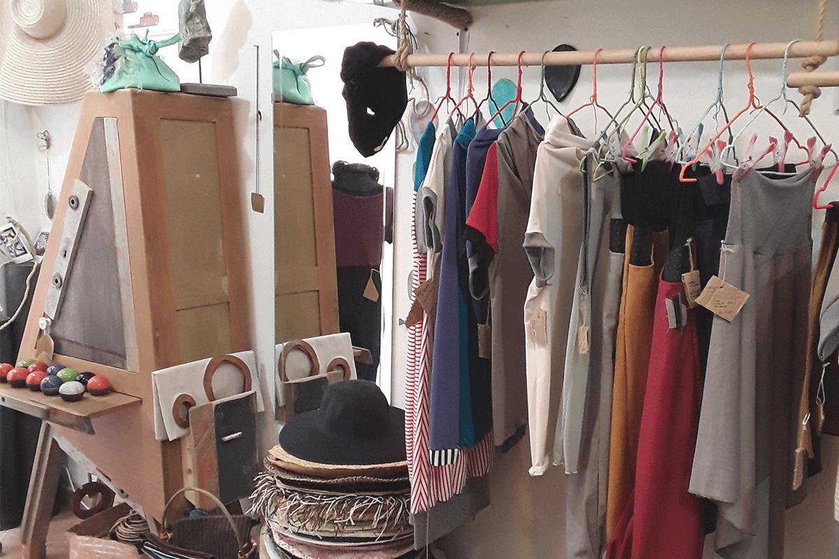 Studio D.RO a Bolsena produzione di cappelli fatti a mano ed impagliatura sedie e sedute