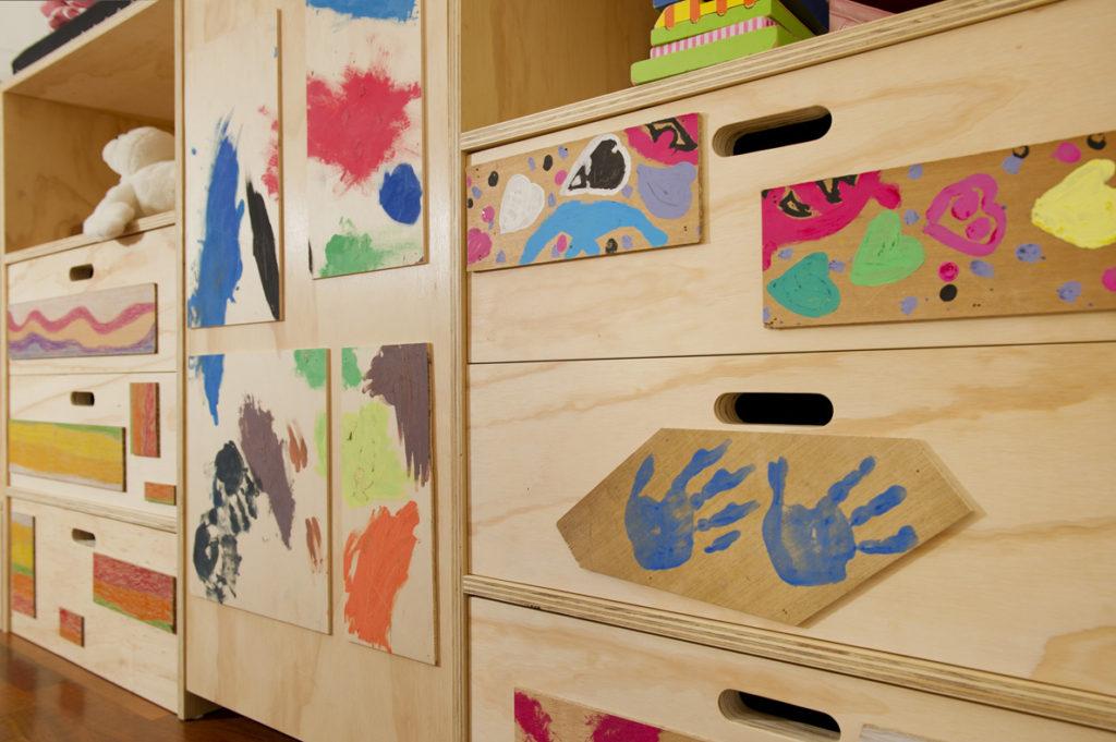 Bambini pittori: strutture per camerette personalizzabili con cassetti, soppalco e letto a castello