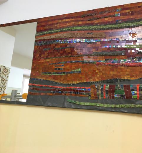 Pannelli mosaicati con pietre tagliate a mano e pezzi di Linoleum. Mosaici decorativi artistici Umbria