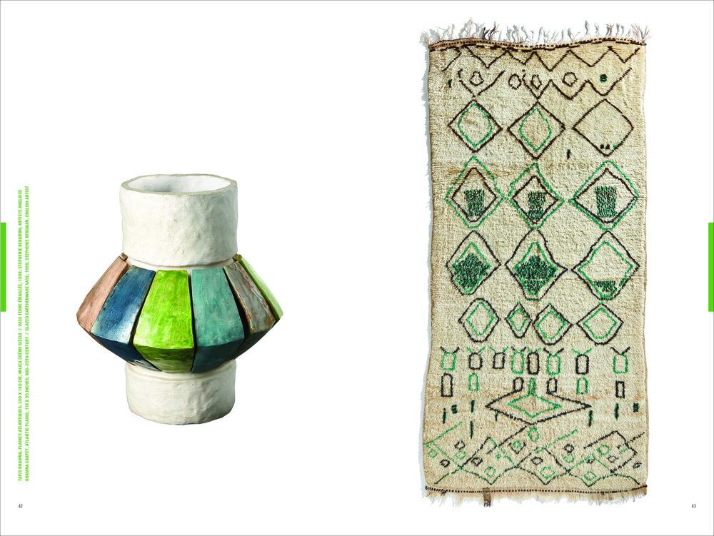 Vaso colorato fatto a mano e tappeto originale marocchino