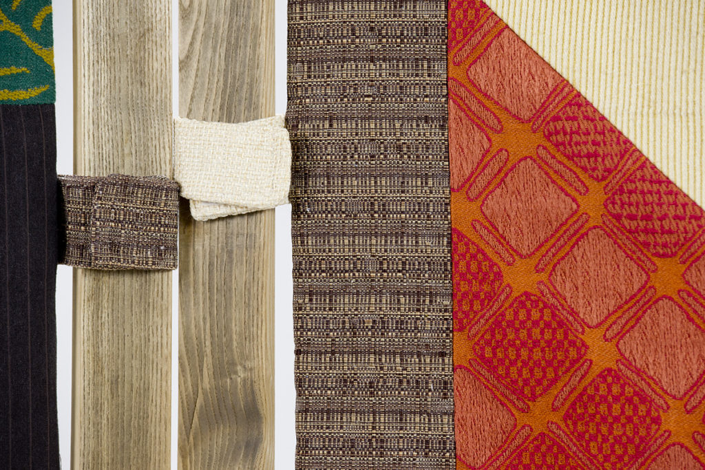 Separé in legno vintage e stoffe patchwork vintage