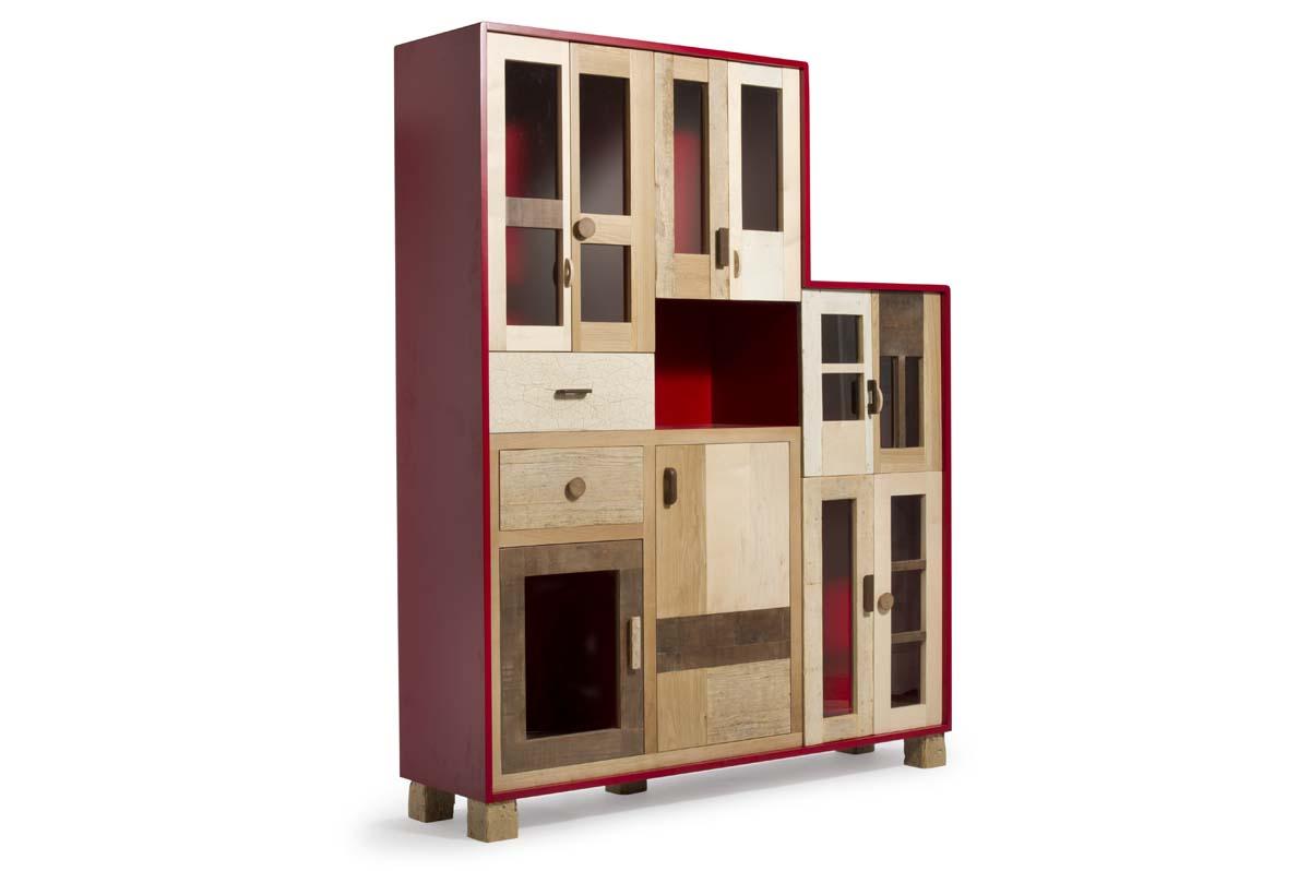 credenza laccatura rossa e sportelli legno vintage