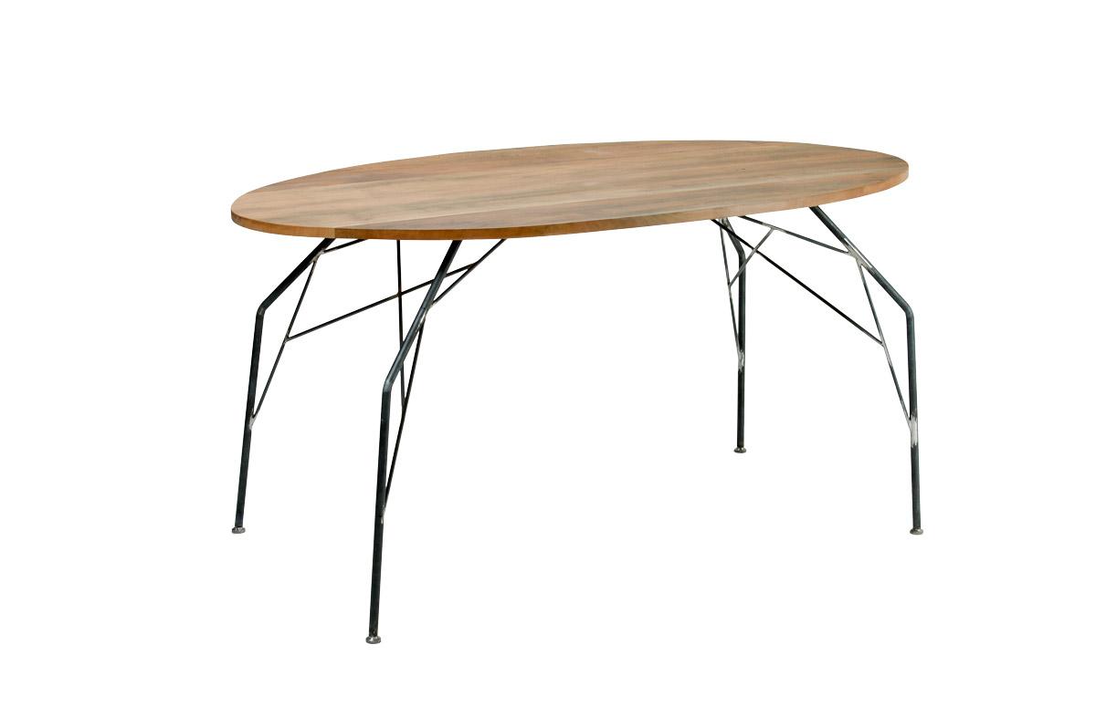 tavolo ovale gambe in ferro stile industriale e piano in legno