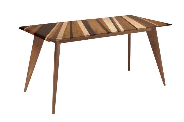 tavolo con gamba vintage e legno massello