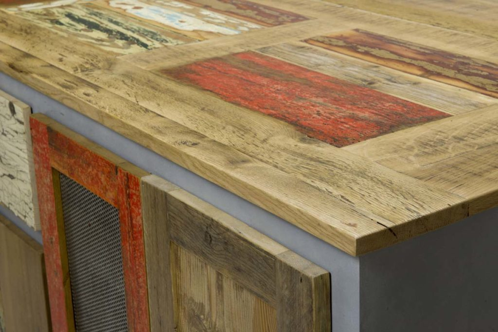 piano credenza legno vintage e resina cemento