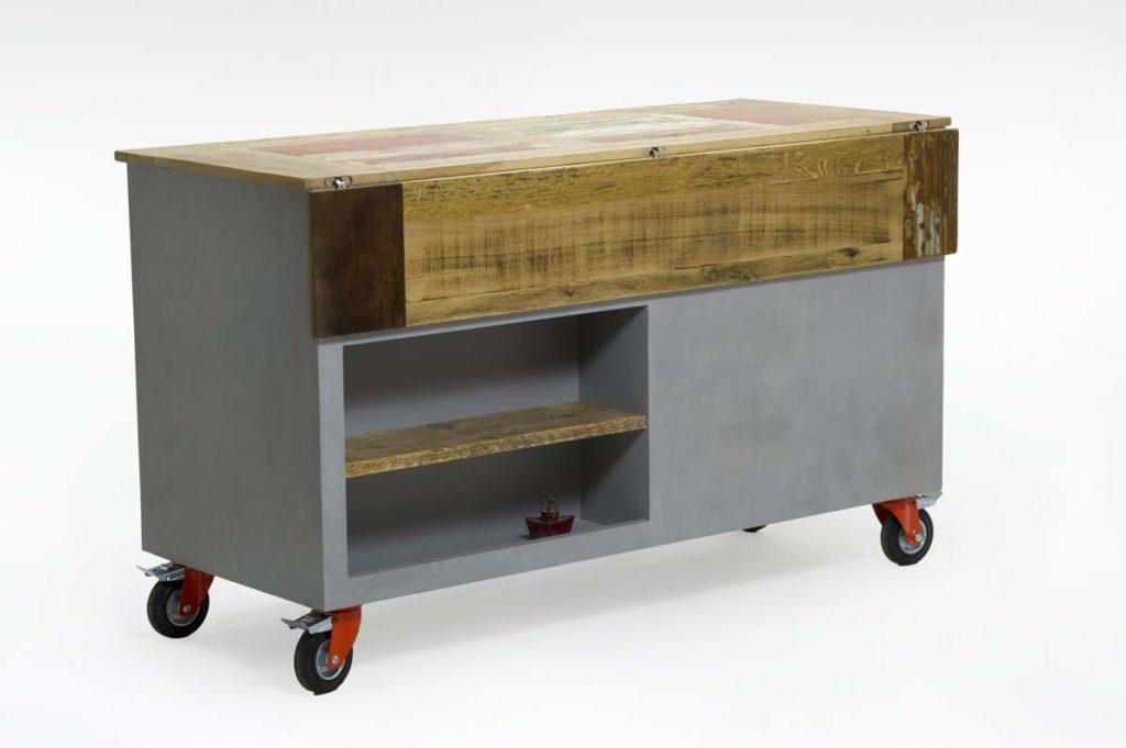 bancone da bar con ruote e finitura resina legno di recupero