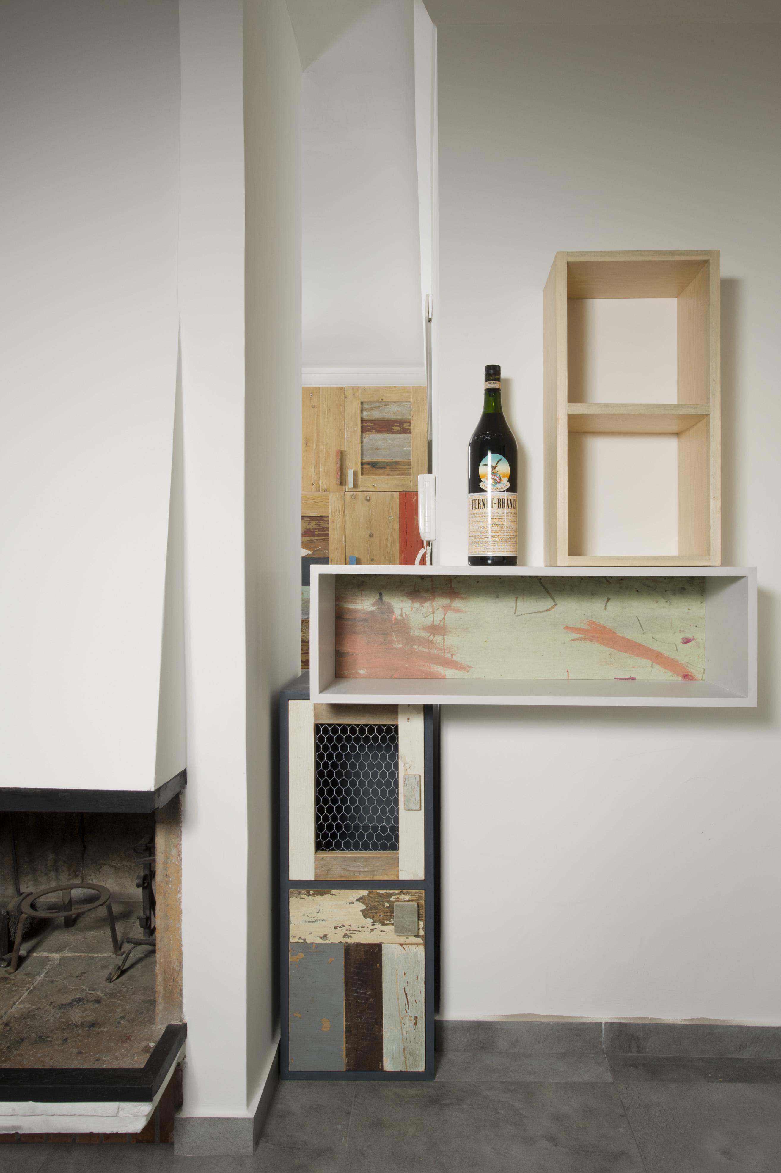 mini parete attrezzata ad angolo in legno