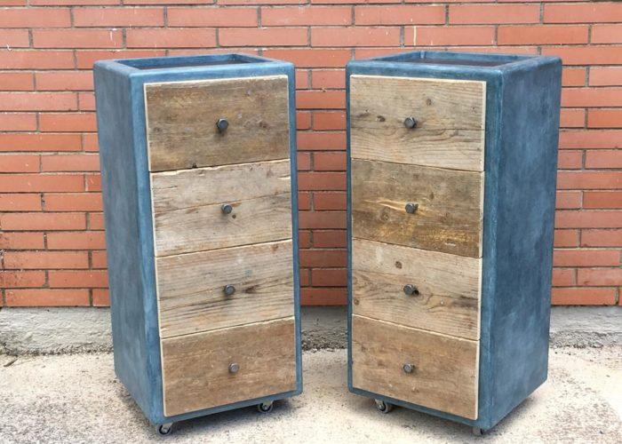 cassettiera in legno di recupero ferro e resina polimerica