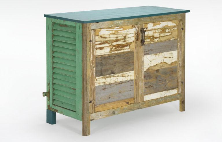 madia riciclo del legno e oggetti vintage verde