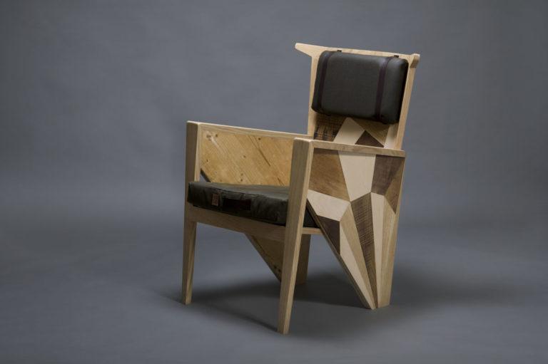 poltrona bergere in legno vintage e tessuto contemporaneo