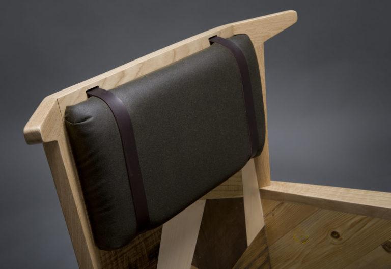 poltrona in legno di recupero da gettata e cuscini in wax canvas