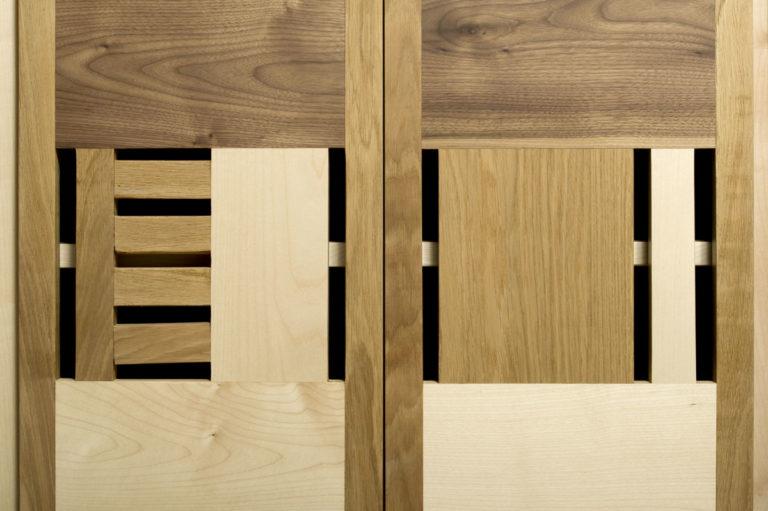 ante madia moderna in legno massello colori caldi senza maniglia