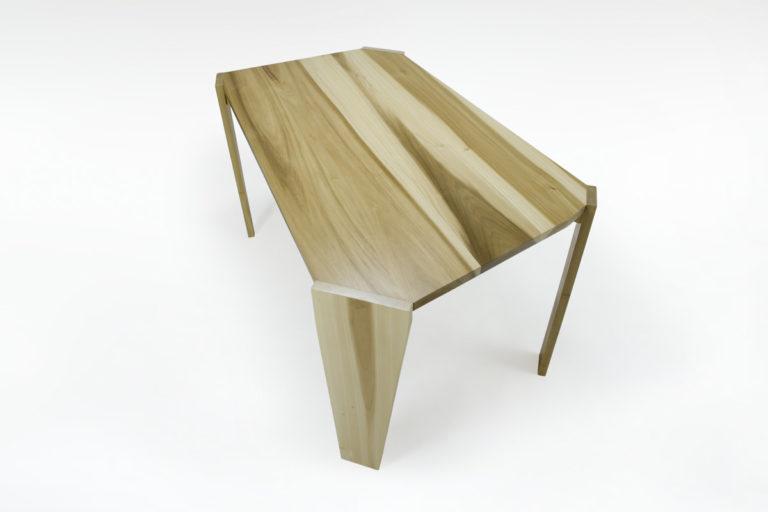 tavolo da pranzo legno massello piano forma irregolare