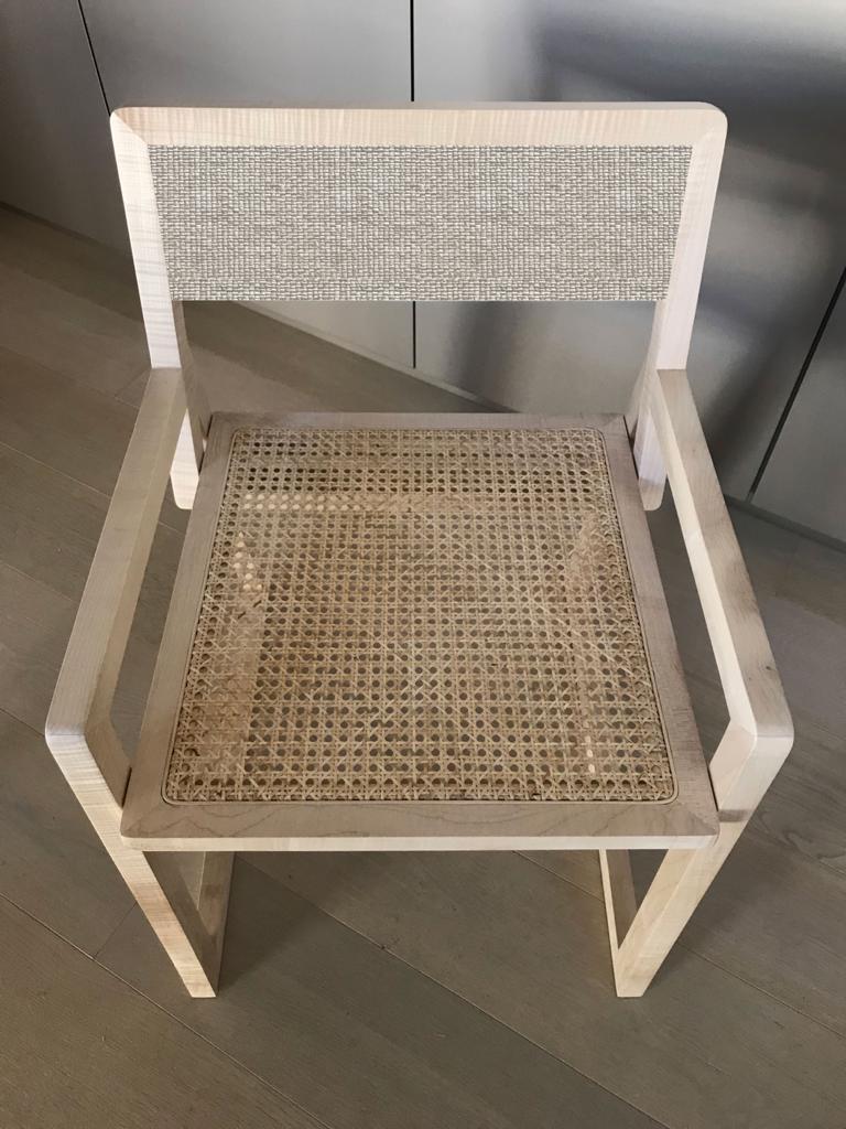 sedia design contemporaneo fatta a mano legno massello paglia di Vienna chiario