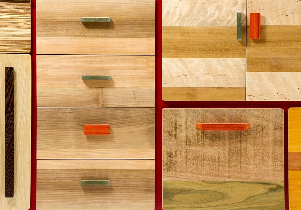 credenza cassettiera laccata e legno massello
