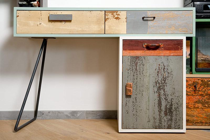 scrivania in legno di recupero