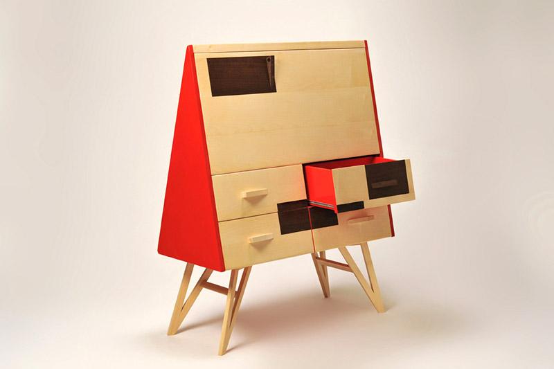 scrittoio in legno massello e laccatura rosso e secretaire