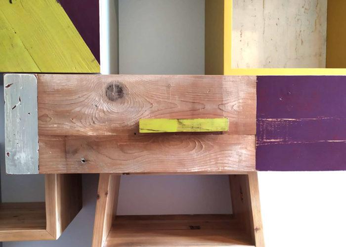 piccola parate attrezzata moderna legno colorato per studio